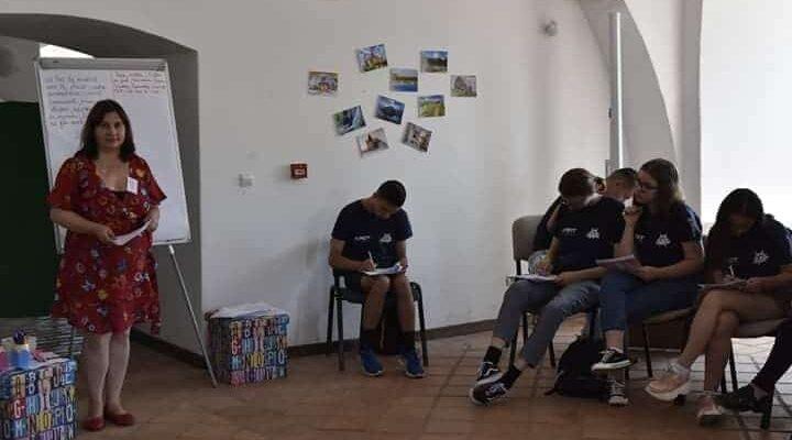 """Scoala de vara """"Orientarea si Gestiunea Carierei"""" propusa de Asociatia de Responsabilizare si Dezvoltare a Tineretului Oradea (ARDT Oradea)"""
